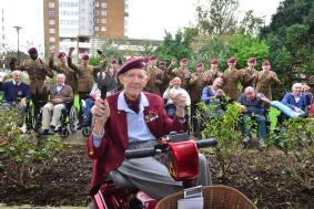 Veterans from QAHH and soldiers from 12 Regt RA planting bulbs.