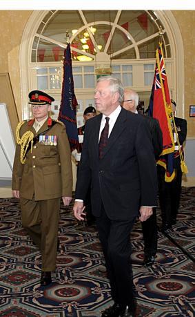 Gen Milne & Regt Col